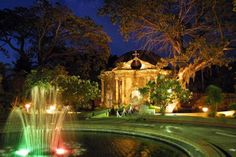 Paco Park - This former cemetery is now a manicured park and venue for fairs and concerts featuring local artists and musicians. Filipino Architecture, Landscape Architecture, Architecture Design, Landscape Designs, Intramuros, Medieval Wedding, Local Artists, Manila, Walkway