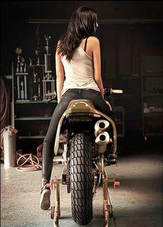 — biker-queens:   Biker Queen