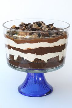 See this pretty thing… it's really as delicious as it looks! And the best part? It's super easy! All you need is five ingredients. Here they are… Brownies Chocolate Pudding (2 large boxes) Cool Whip (large container) Caramel Sauce Heath Candy Bars (4 regular sized bars) Directions- 1. Prepare brownies according to directions on box. …