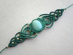 Macramé Bracelet Aventurine. Bohemian jewelry tribal por QuetzArt