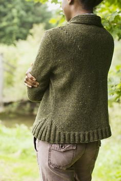 I could really use this sweater right now, it's so cold out! My next Sweater to knit!
