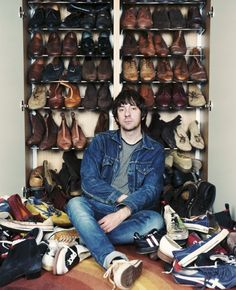 I'm all for a good shoe - especially if it's on someone of such musical genius and wit as Graham Coxon. (The denim suit could possibly be a step too far but what do I know!)