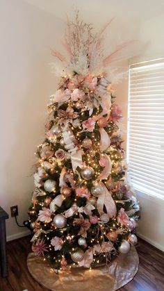 CHRISTMAS TREE~ROSE/GOLD TREE