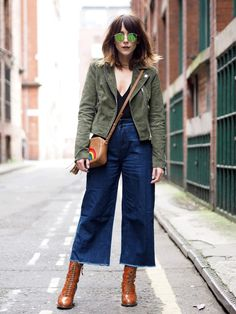 Pin for Later: Your Ultimate Guide to Getting Dressed in Every Summer Temp 68 Degrees A tank top, denim culottes, and booties topped off with a light jacket. Gaucho Pants Outfit, Cropped Jeans Outfit, Jeans Outfit Winter, Outfit Jeans, Denim Culottes Outfits, Jean Outfits, Fall Outfits, Casual Outfits, Mode Chic