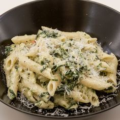 Halloumi Pasta, Chili Pasta, Recipes From Heaven, Parmesan, Food Porn, Brunch, Snacks, Chicken, Ethnic Recipes