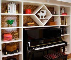 Уточненное и элегантное, фортепиано станет украшением любого дома.