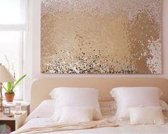 Elegante e glamour, un meraviglioso modo per decorare la zona notte sui toni luccicanti dell'oro.  #Dalani #Style #Glitter