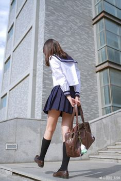 Japanese School Uniform Girl, School Girl Dress, School Uniform Girls, Girls Uniforms, Tokyo Fashion, School Fashion, Teen Fashion, Womens Fashion, Poses References
