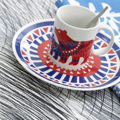 Marimekko tea cup mug bear Marimekko, Teller, Scandinavian Style, Ceramic Pottery, Cup And Saucer, Bunt, Dinnerware, Tea Pots, Decoration
