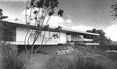 HOUSE OF MY DREAMS!!!!  Casa de Calle Nubes, Calle Nubes 309, Jardines del Pedregal, México DF 1957 Arqs. Francisco Artigas y Fernando Luna Foto. Roberto y Fernando Luna