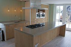 Werkbladen beton, prefab gemaakt door Marcolina Terrazzo en Beton. www.marcolina.nl