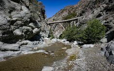 The Bridge to Nowhere.- 10-mile Hikes You Can't Miss