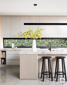 Minimal + Modern | Letterbox Window + Island Details + Seamless Cabintery + Open Shelving