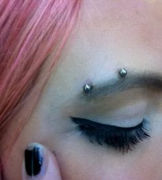 Piercing arcade horizontal - Eyebrow piercing