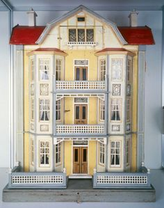 Elevator House | dollhouse