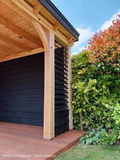 Douglas houten veranda met shutter, vlonder en buitenkachel | Hava Backyard Projects, Backyard Patio, Backyard Landscaping, Outdoor Living, Outdoor Spaces, Outdoor Decor, Summer Garden, Home And Garden, Modern Gazebo