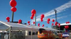 Jätti-ilmapalloja festivaaleilla