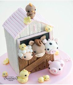 Barnyard Cake, Farm Cake, Western Parties, Happy 1st Birthdays, Fondant Figures, Pasta Flexible, Diy Clay, 2nd Birthday, Toy Chest