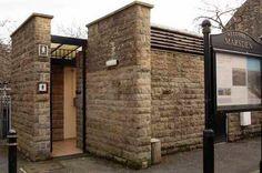 public bathrooms exterior - Pesquisa Google