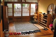 natural modern interiors: No Shoe Policy in Japan :: The Benefits of Leaving Your Shoes at the Front Door