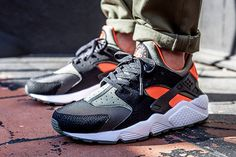 I used to be one of those horrible 'original colourway only' type of guys that I'm sure everyone is sick of hearing from by now, but even I've been slowly warming to the new Huarache…