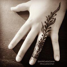 "9 Likes, 1 Comments - Art&CraftsCorner (@artncraftscorner) on Instagram: ""Simple henna design . . . . . . . #HennaArt #hennatattoos #hennatattoo #Mehndi #mehndidesigns…"""