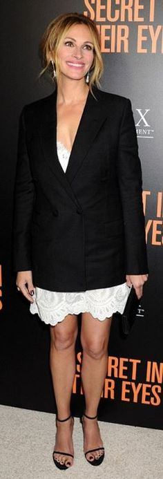 Julia Roberts: Dress and jacket – Givenchy  Shoes – Stuart Weitzman