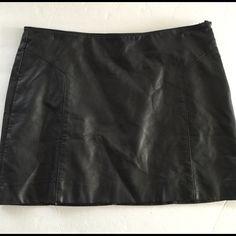 EXPRESS FAUX LEATHER SKIRT Like new Express Skirts Mini