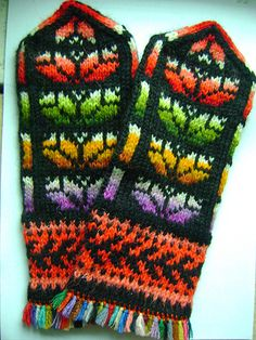 The World's Best Photos of crazy and handknitting Mittens Pattern, Knit Mittens, Mitten Gloves, Knitted Hats, Hand Knitting, Knitting Patterns, Winter Warmers, Yarn Projects, Needlework
