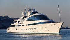 Spotted off the French Riviera, Yas is currently the eighth largest yacht in the world… Yacht Design, Assurance Auto, Yacht Interior, Yacht Boat, Speed Boats, Submarines, Benz, Motor Boats, Luxury Yachts