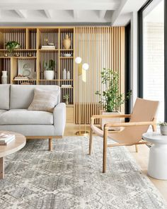 Zoom on kitchen trends 2019 - Home Fashion Trend Wood Slat Wall, Wood Slats, Style At Home, Interior Decorating, Interior Design, Kitchen Trends, Living Room Designs, Family Room, Home Fashion