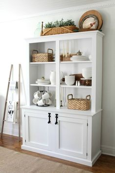 I'm on the hunt for a new farmhouse style hutch. It's pretty much the last big piece I need for our dining room. Right now we have a hand-me-down one that we got from my in-laws and gave a makeover. It works for now, but we need a bigger one to really fill the space. ... Read More about Ten Beautiful Farmhouse Style Hutches