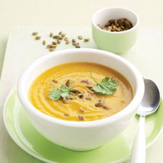 Slow cooker spicy carrot and pumpkin soup - Healthy Food Guide Spiced Pumpkin Soup, Healthy Pumpkin, Healthy Soup, Pumpkin Spice, Healthy Eating, Healthy Recipes, Delicious Recipes, Spicy Carrots, Soup Kitchen