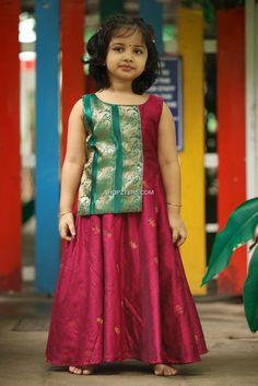 Girls Frock Design, Long Dress Design, Baby Dress Design, Kids Frocks Design, Baby Frocks Designs, Baby Girl Frocks, Frocks For Girls, Little Girl Dresses, Kids Dress Wear