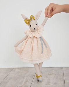 .LAPINETTE. Zéline, adorable lapine. La première de la nouvelle collection automne/hiver... En boutique dès demain, sur Big Cartel et Etsy ! #talenaetlouison #handmadeforkids #handmadeinprovence #handmadedolls #leslapinettestalenaetlouison