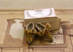 Versailles shoes   Miniature shoes 112 scale  by humptydumptyhouse, £15.00