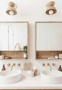 On aime beaucoup cette double vasque ! #sdb #tendancedéco #homedesign #décosdb #idéedéco #décointérieure Bad Inspiration, Bathroom Inspiration, Bathroom Ideas, Bathroom Organization, Bathroom Storage, Bathroom Designs, Bath Ideas, Bathroom Trends, Shower Ideas