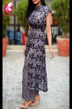 Shop Charcoal Grey and Black Printed Satin Georgette Kurti Set - Kurti Sets Online in India Party Wear Indian Dresses, Designer Party Wear Dresses, Kurti Designs Party Wear, Salwar Designs, Indian Outfits, Simple Kurti Designs, Blouse Designs, Cotton Silk, Black Cotton