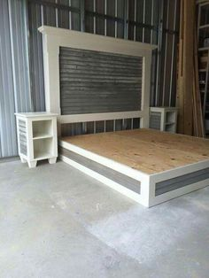 Old barn wood bed platform! - Old barn wood bed platform! - Old barn wood bed platform! – Old barn wood bed platform! Building Furniture, Diy Furniture Plans, Furniture Design, Home Bedroom, Bedroom Decor, Bedrooms, Bedroom Ideas, Master Bedroom, Diy Bed Frame