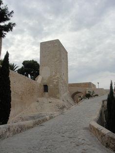 Alicante, Castillo Santa Barbara