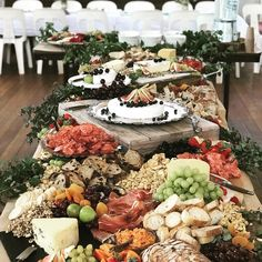 Unique Wedding Catering Ideas for the Big Day – MyPerfectWedding Party Platters, Cheese Platters, Food Platters, Charcuterie And Cheese Board, Cheese Boards, Tapas, Raw Food Recipes, Cooking Recipes, Gourmet Breakfast