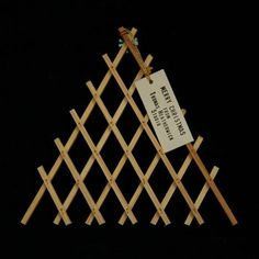 Via @IMargolius Architectural 'card' from Thomas Heatherwick Studio