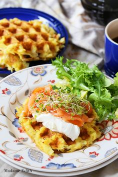 5 przepisów z gofrownicy - Madame Edith Hash Browns, Waffles, Cooking Recipes, Meals, Drink, Breakfast, Food, Diet, Essen