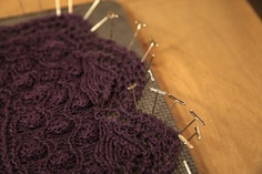 Learn advanced lace knitting techniques! Feel free to follow and join our new community board : Knitting stitches and tutorials for all. http://pinterest.com/DUTCHYLADY/knitting-stitches-tutorials-for-all/