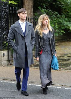 Cutting edge: Georgia May Jagger looked like a rocker in her own right as she headed to the wedding of Lara Boglione & Giovanni Mazzei with her boyfriend Josh McLellan in Richmond on Saturday Couture Fashion, Boho Fashion, Fashion Outfits, Glam Rock, Rocker Look, Georgia May Jagger, Blonde Hair Looks, Model Look, Blonde Color