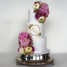 22 Seriously Adorable Wedding Cakes to Love - MODwedding