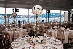 İstanbul Boğazı'nın en seçkin yerinde, o büyülü manzaraya hakim olan Hôtel Les Ottomans düğün, nişan, kına, bekarlığa veda, after party, doğumgünü organizasyonları ve tüm özel davetlerinize ayrıcalıklı bir boyut kazandırıyor.