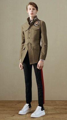 NOTE/IDEA : pattern/style jacket, pants -- Alexander McQueen Pre-Fall 2016 Menswear Collection