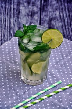 Healthy Shakes, Cocktails, Drinks, Party Time, Cucumber, Cake Recipes, Grilling, Food And Drink, Menu