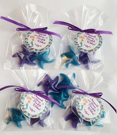 Mermaid, Mermaids, Under the Sea, Ocean Adventure, The Little Mermaid, Starfish, Destination Wedding, Beach Wedding, Beach Baby. Whatever your theme, these starfish will swim right into the hearts of your guests! Each 4 x 6 inch cello bag holds 2 starfish shaped soaps colored/scented to match your theme. The soaps are approximately 1 inch tall/wide/thick. A touch of soap glitter makes them magically sparkle:) Personalized 2 inch round or 1 and 1/2 inch square tags included! Please let me…